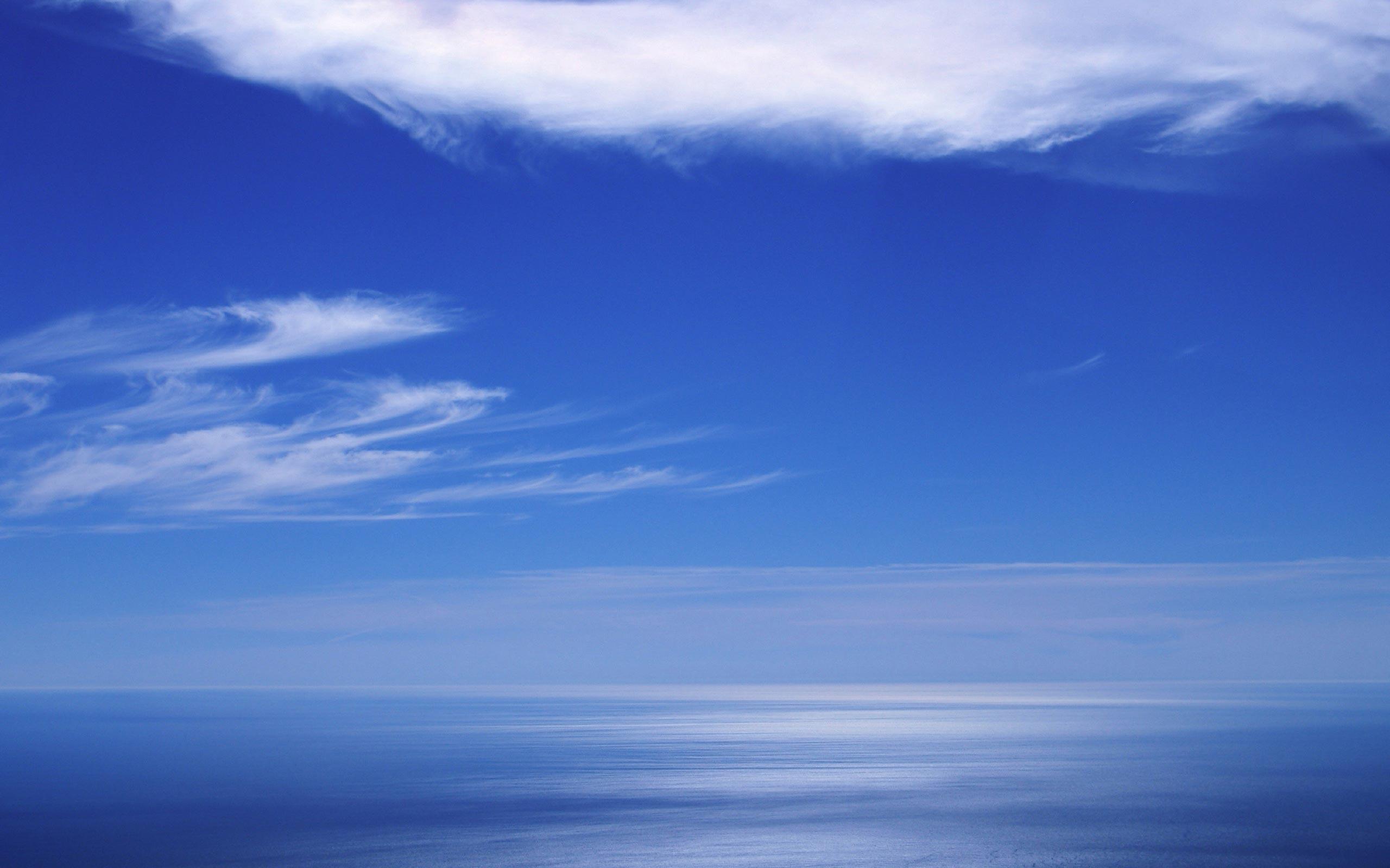 Blue-sea-horizon.jpg